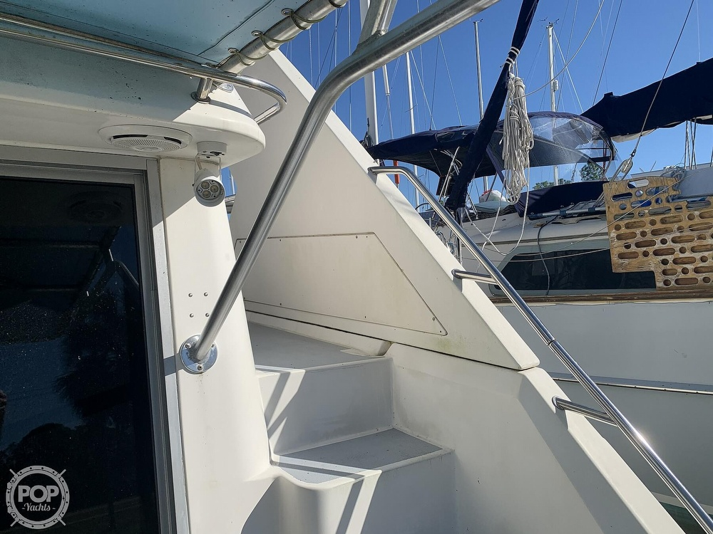 1994 Cruisers Yachts boat for sale, model of the boat is 4285 Express Bridge & Image # 35 of 40
