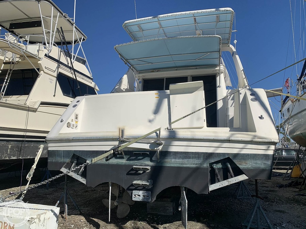 1994 Cruisers Yachts boat for sale, model of the boat is 4285 Express Bridge & Image # 22 of 40