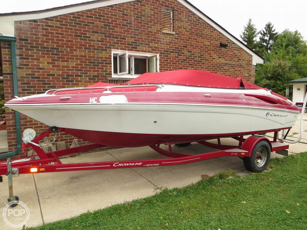 2013 Crownline boat for sale, model of the boat is 21 Ss & Image # 12 of 40
