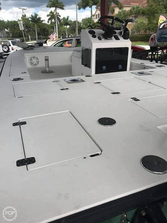 1994 Lake & Bay boat for sale, model of the boat is Gene Debois 20 & Image # 5 of 41