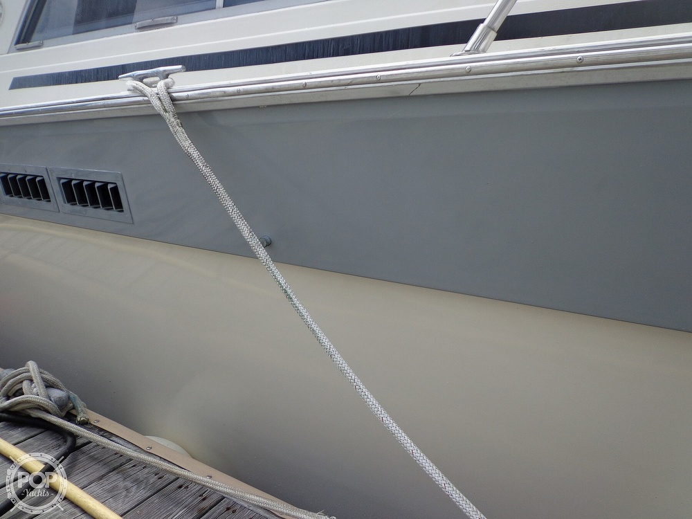 1987 Silverton boat for sale, model of the boat is 39 Convertible & Image # 14 of 40