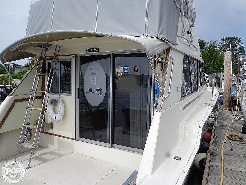 1987 Silverton boat for sale, model of the boat is 39 Convertible & Image # 18 of 40