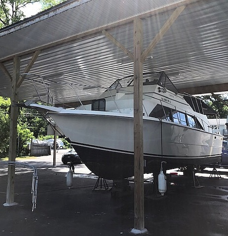 1982 Carver boat for sale, model of the boat is Mariner 3396 & Image # 2 of 8