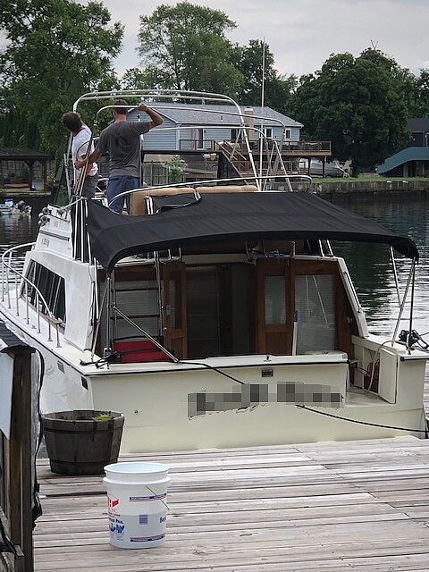 1982 Carver boat for sale, model of the boat is Mariner 3396 & Image # 7 of 8