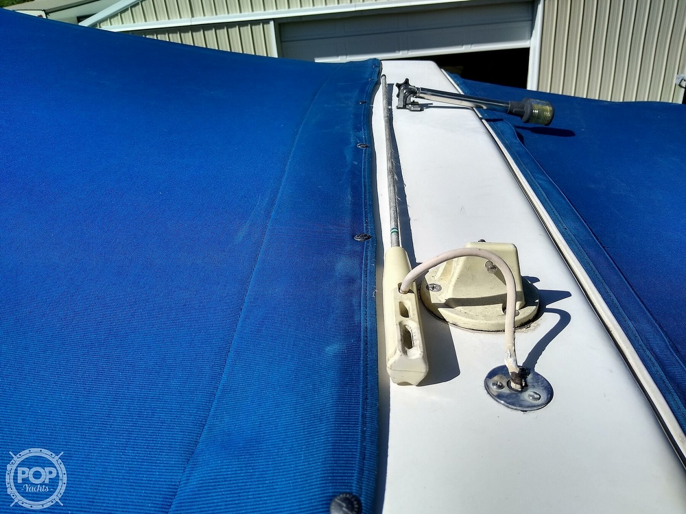 1996 Sea Ray boat for sale, model of the boat is Sundancer & Image # 16 of 40