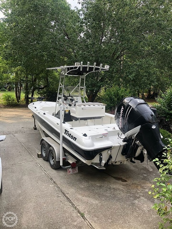 2009 Triton boat for sale, model of the boat is 240 LTS PRO & Image # 3 of 40