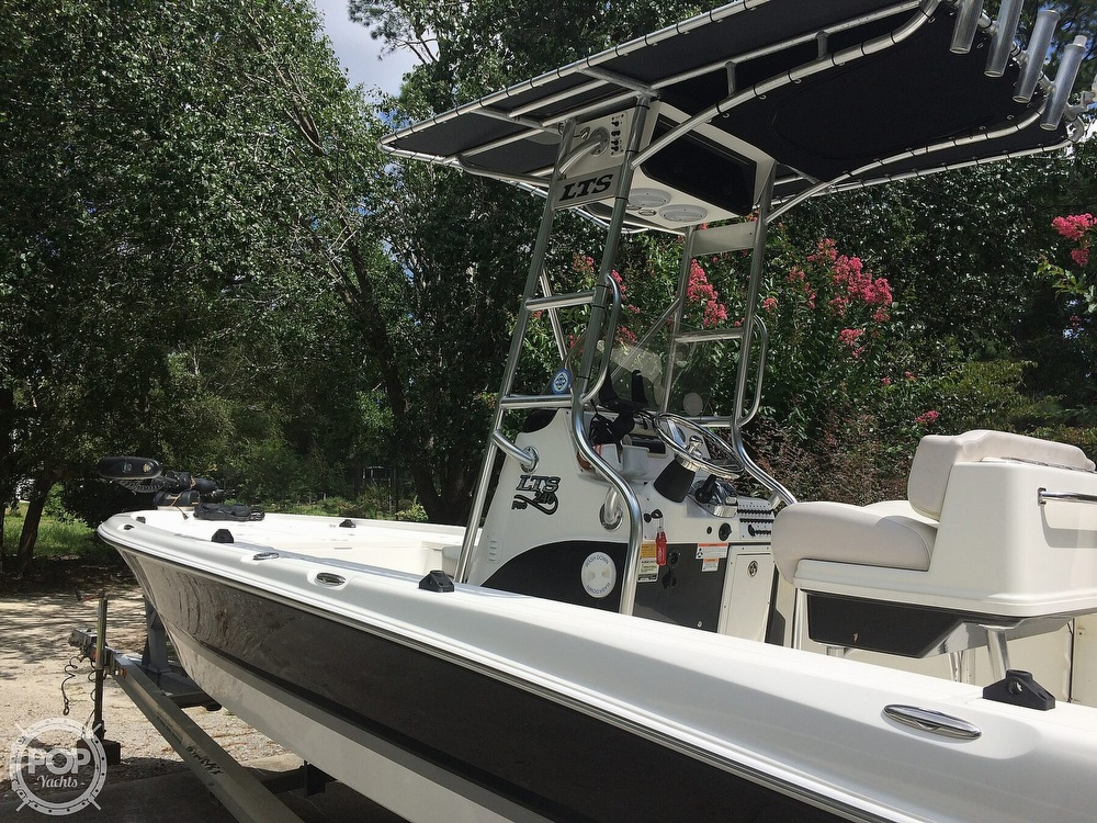 2009 Triton boat for sale, model of the boat is 240 LTS PRO & Image # 15 of 40