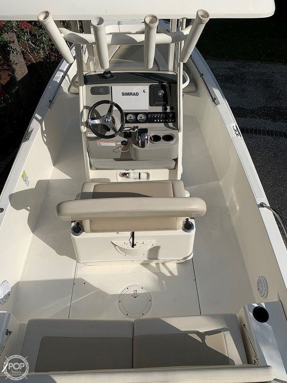 2017 Boston Whaler boat for sale, model of the boat is Dauntless 24 & Image # 2 of 14