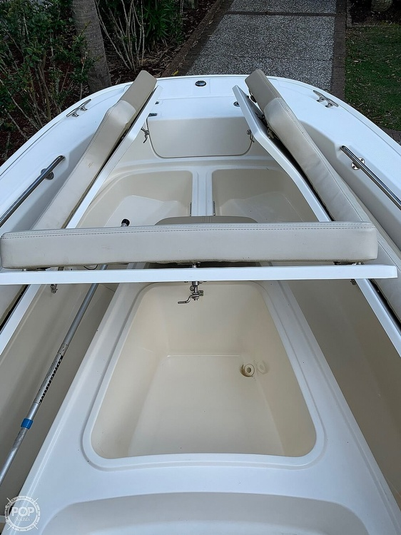 2017 Boston Whaler boat for sale, model of the boat is Dauntless 24 & Image # 3 of 14