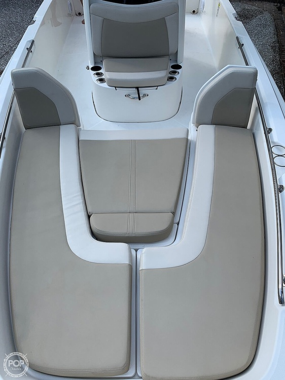2017 Boston Whaler boat for sale, model of the boat is Dauntless 24 & Image # 5 of 14