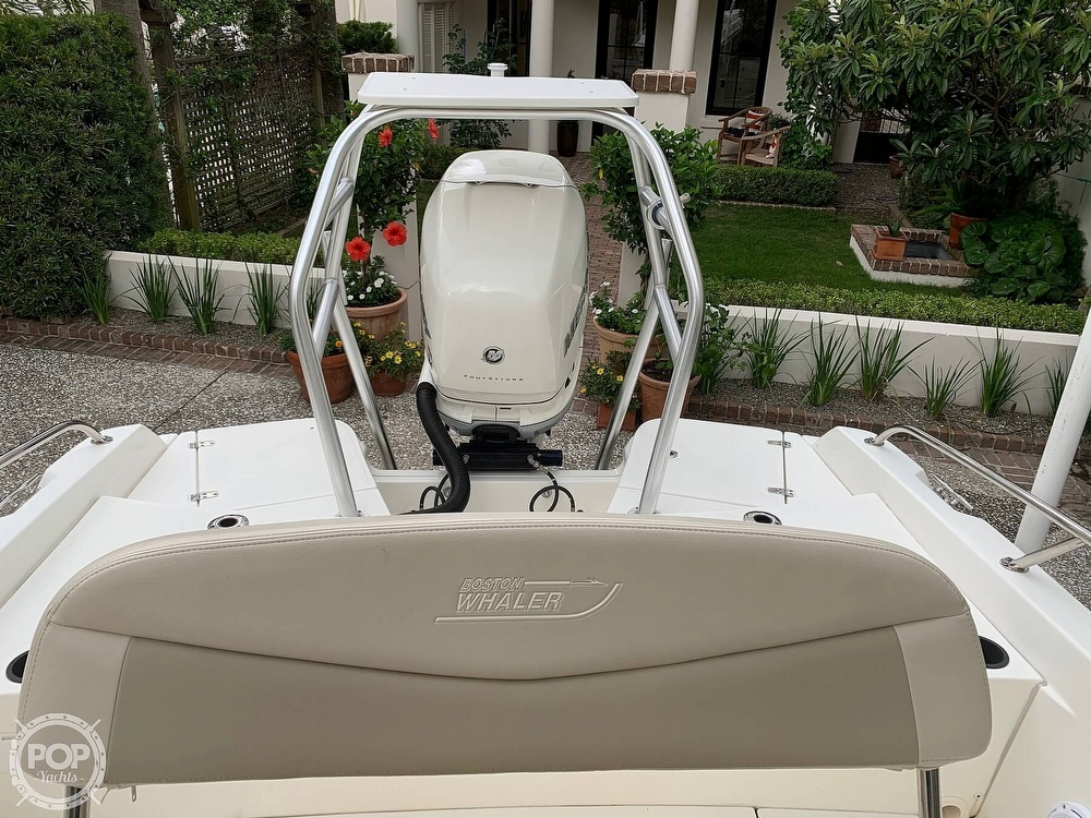 2017 Boston Whaler boat for sale, model of the boat is Dauntless 24 & Image # 6 of 14
