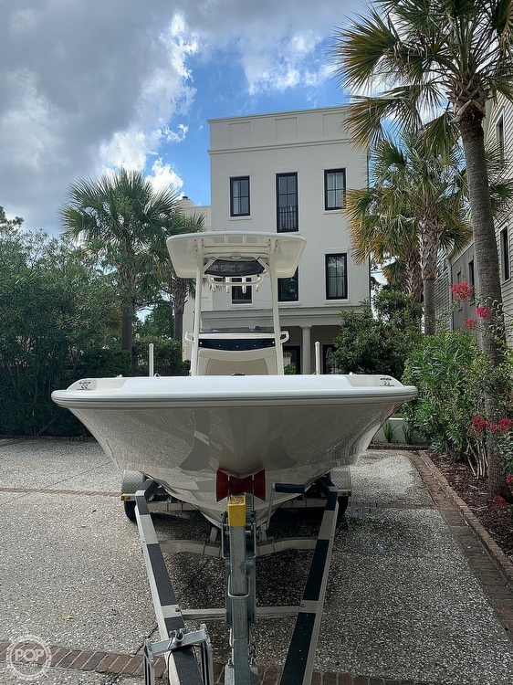 2017 Boston Whaler boat for sale, model of the boat is Dauntless 24 & Image # 8 of 14