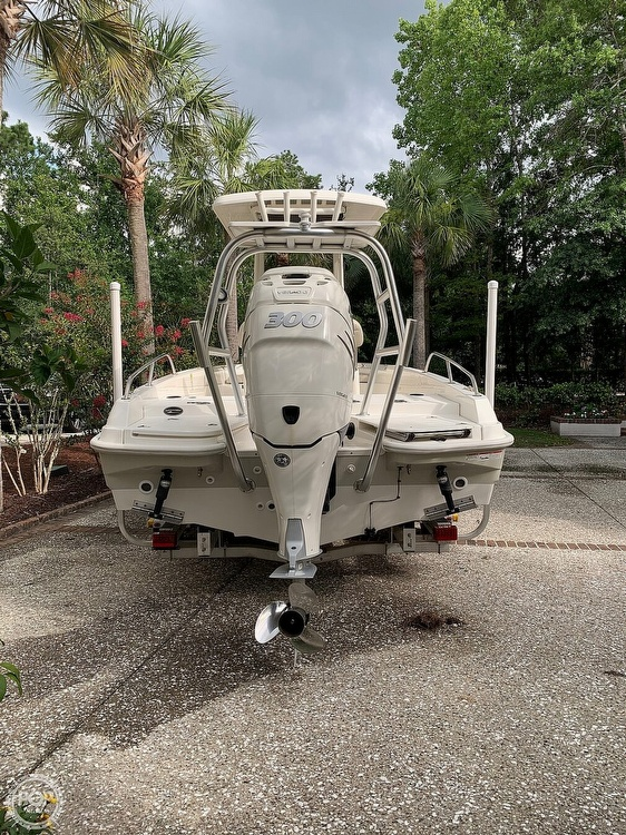 2017 Boston Whaler boat for sale, model of the boat is Dauntless 24 & Image # 10 of 14