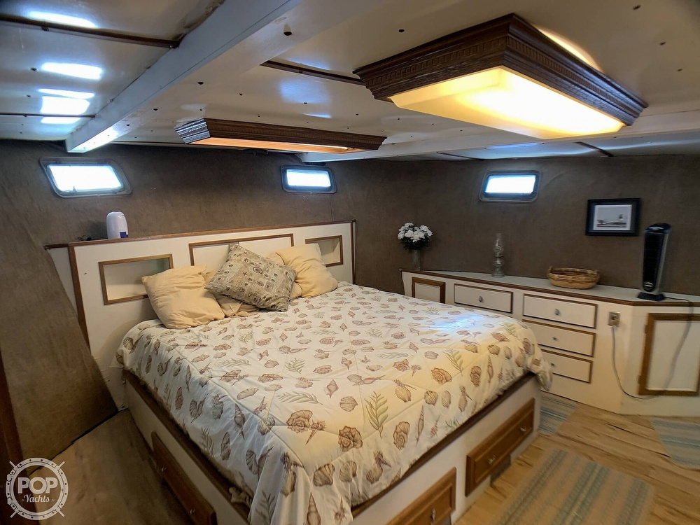 1985 North Sea boat for sale, model of the boat is 63' Trawler & Image # 16 of 40