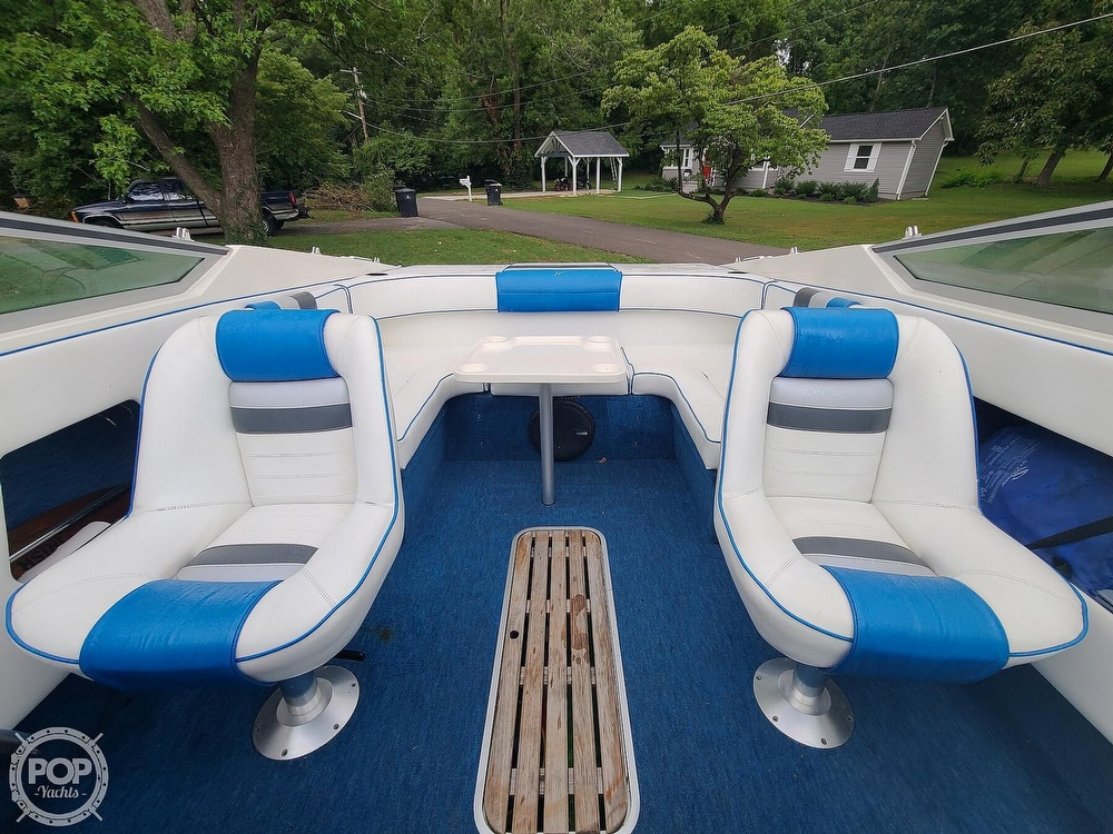 1990 Sea Ray boat for sale, model of the boat is 220 Overnighter & Image # 3 of 40