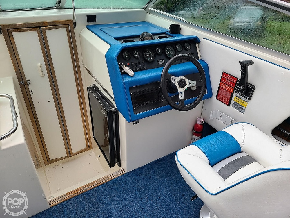 1990 Sea Ray boat for sale, model of the boat is 220 Overnighter & Image # 5 of 40