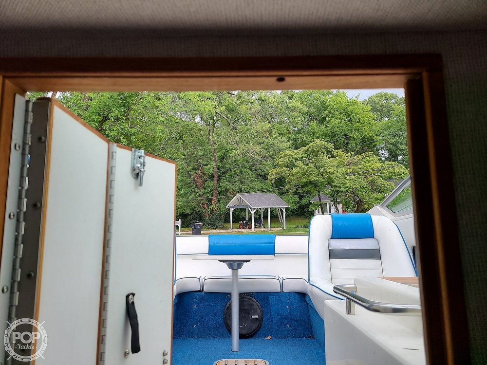 1990 Sea Ray boat for sale, model of the boat is 220 Overnighter & Image # 26 of 40