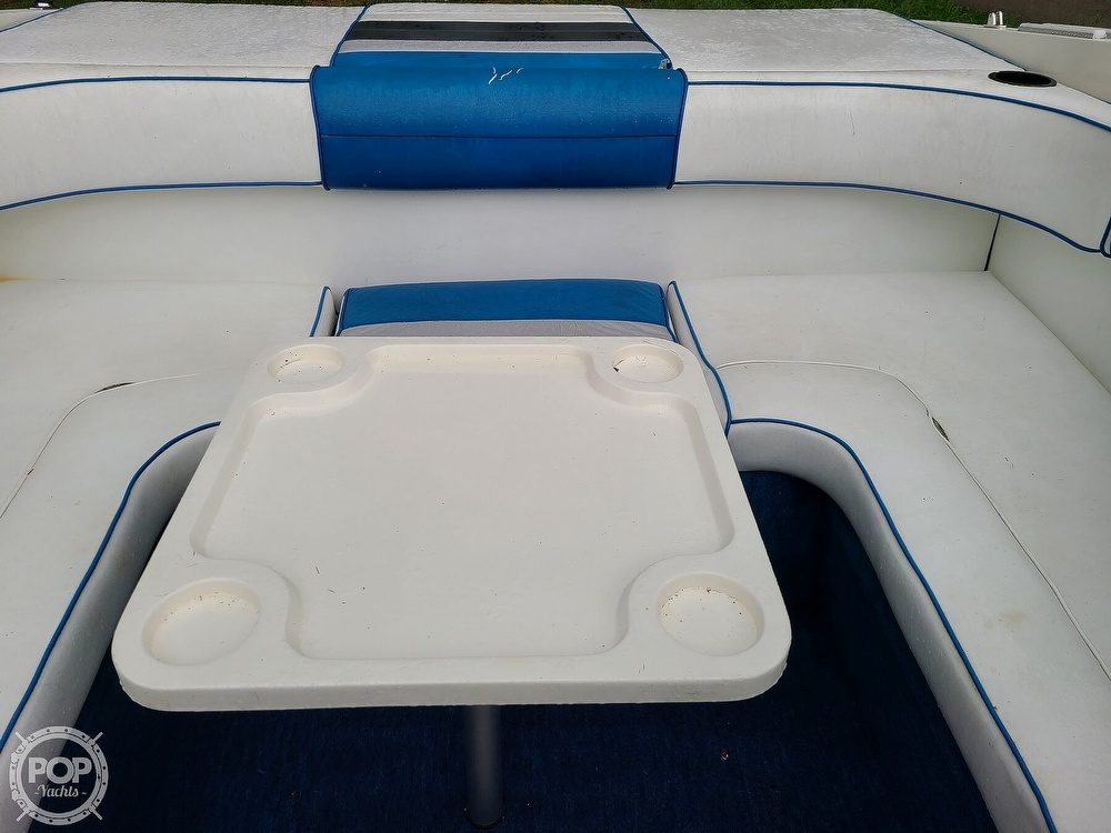 1990 Sea Ray boat for sale, model of the boat is 220 Overnighter & Image # 32 of 40