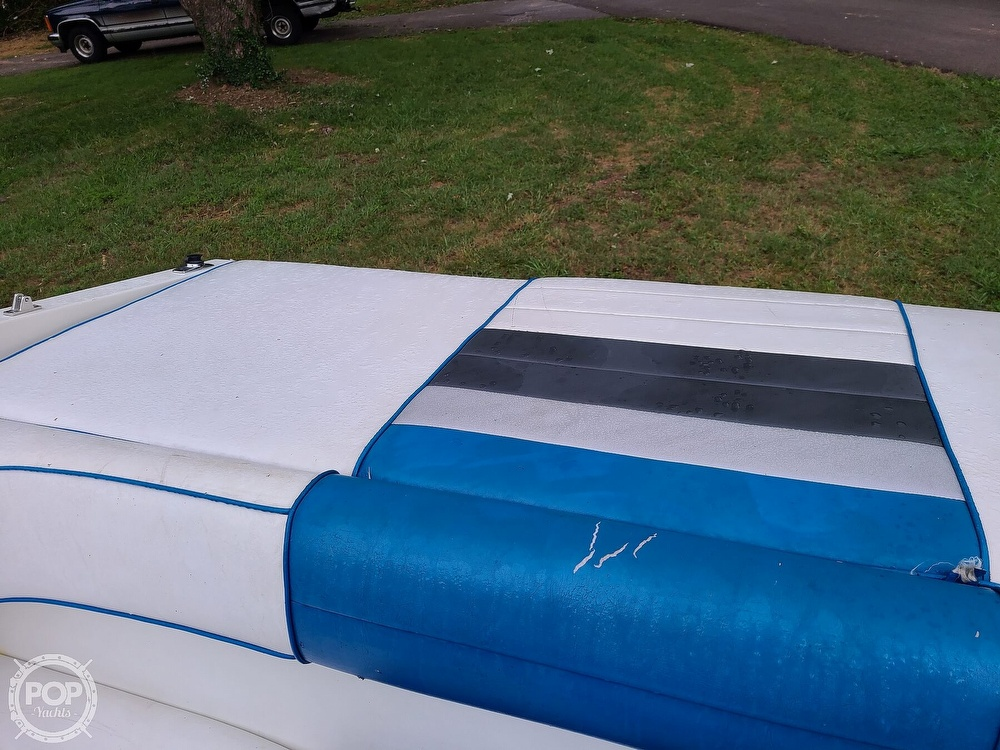 1990 Sea Ray boat for sale, model of the boat is 220 Overnighter & Image # 37 of 40