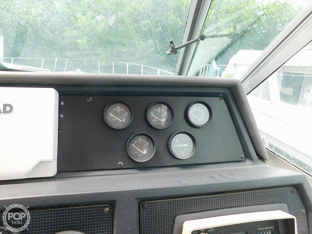 1988 Sea Ray boat for sale, model of the boat is 460 EXPRESS CRUISER & Image # 26 of 40