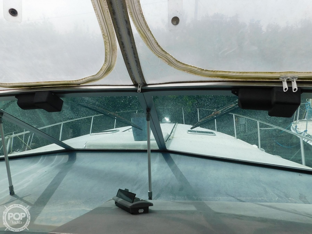 1988 Sea Ray boat for sale, model of the boat is 460 EXPRESS CRUISER & Image # 31 of 40