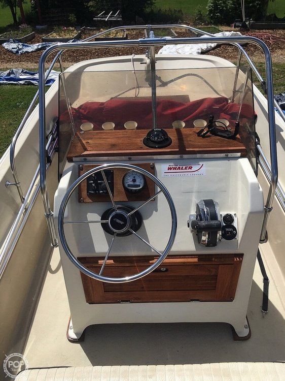 1975 Boston Whaler boat for sale, model of the boat is Montauk 17 & Image # 4 of 9
