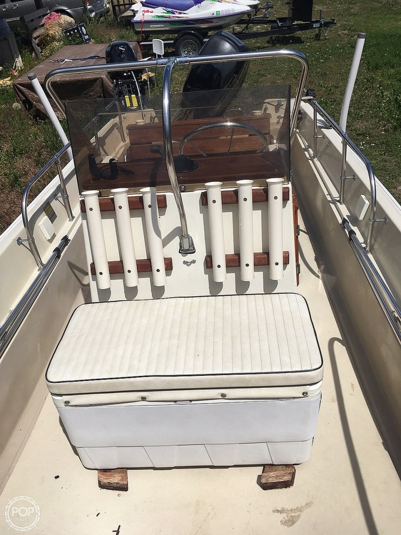 1975 Boston Whaler boat for sale, model of the boat is Montauk 17 & Image # 6 of 9