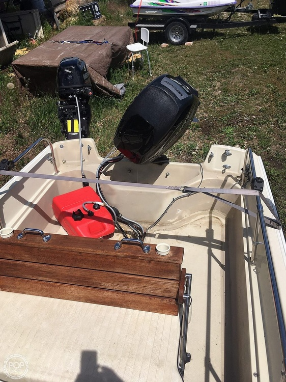 1975 Boston Whaler boat for sale, model of the boat is Montauk 17 & Image # 7 of 9