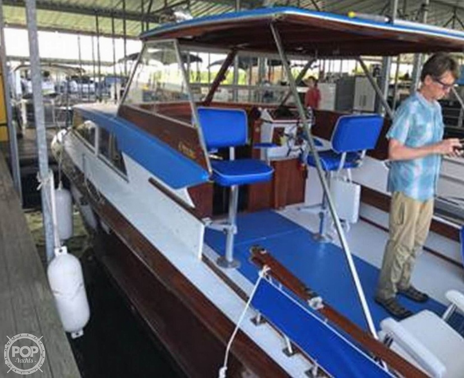 1968 Owens boat for sale, model of the boat is Flagship 28 Express & Image # 5 of 40