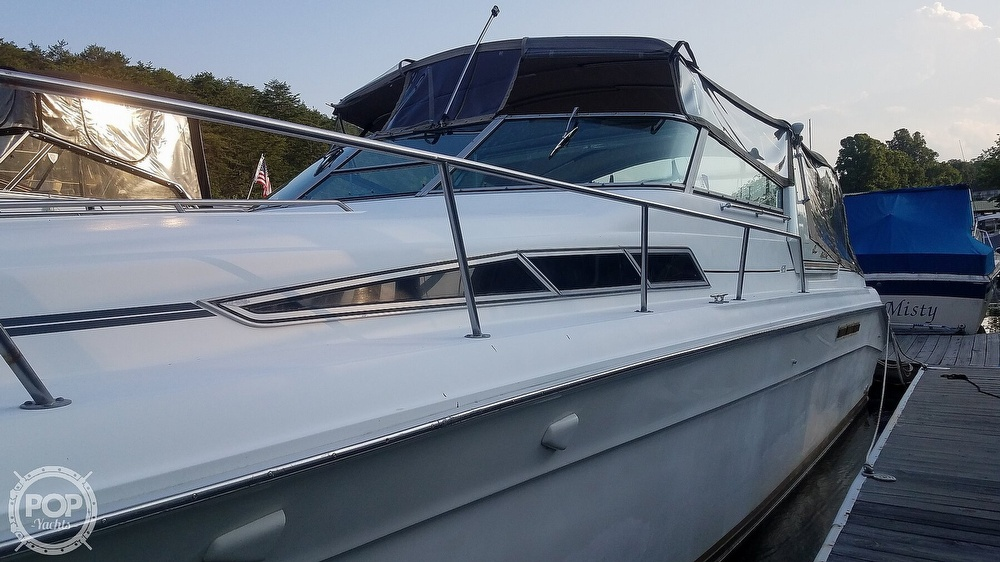 1990 Sea Ray boat for sale, model of the boat is 420 Sundancer & Image # 4 of 40