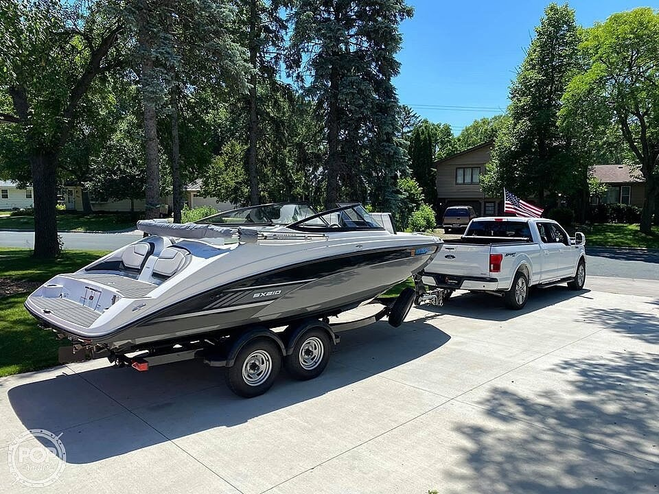 2017 Yamaha boat for sale, model of the boat is SX210 & Image # 9 of 41