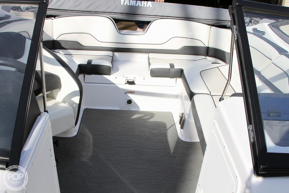 2017 Yamaha boat for sale, model of the boat is SX210 & Image # 8 of 41