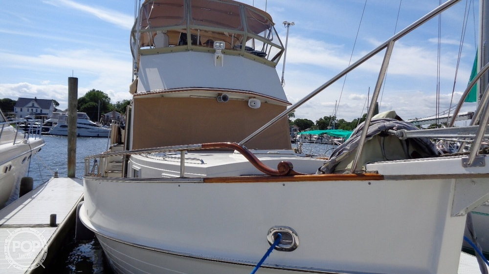 1990 Grand Banks boat for sale, model of the boat is 42 MY & Image # 9 of 40