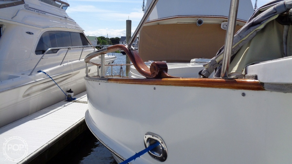 1990 Grand Banks boat for sale, model of the boat is 42 MY & Image # 13 of 40