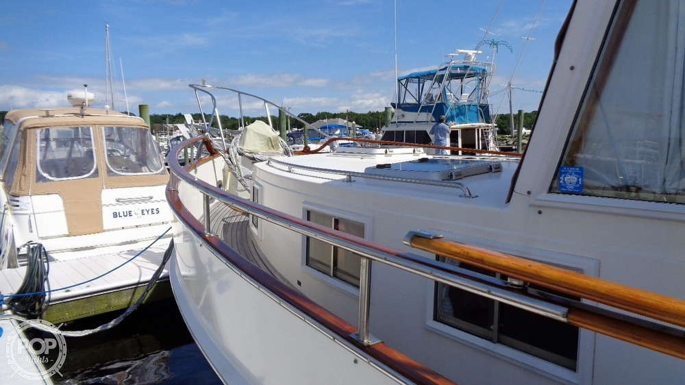 1990 Grand Banks boat for sale, model of the boat is 42 MY & Image # 18 of 40
