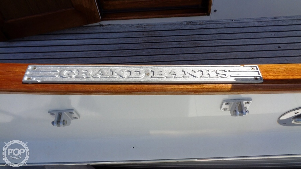 1990 Grand Banks boat for sale, model of the boat is 42 MY & Image # 20 of 40