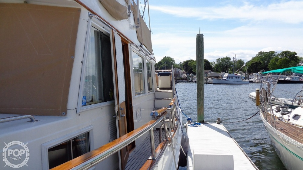 1990 Grand Banks boat for sale, model of the boat is 42 MY & Image # 22 of 40