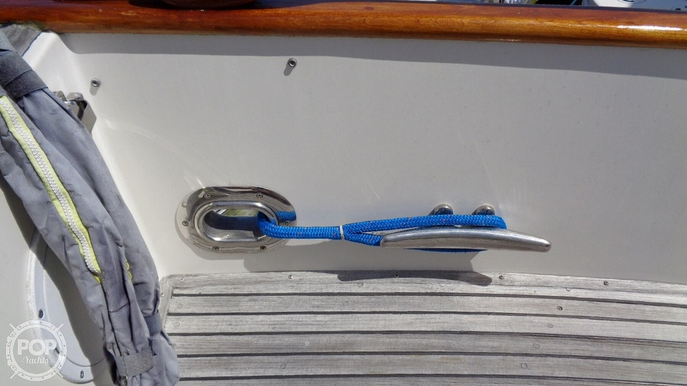 1990 Grand Banks boat for sale, model of the boat is 42 MY & Image # 30 of 40