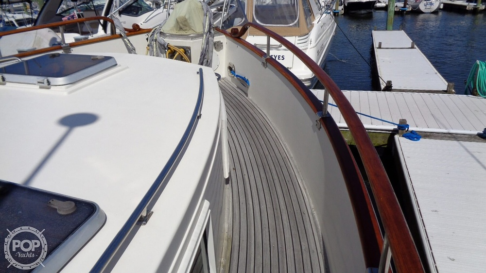 1990 Grand Banks boat for sale, model of the boat is 42 MY & Image # 38 of 40