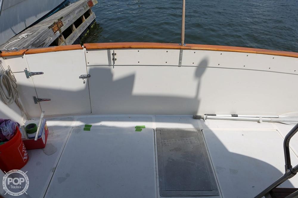1987 Bayliner boat for sale, model of the boat is 3870 & Image # 32 of 40