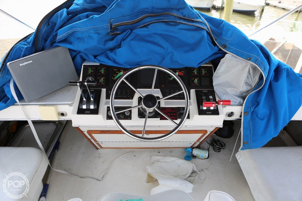 1987 Bayliner boat for sale, model of the boat is 3870 & Image # 34 of 40