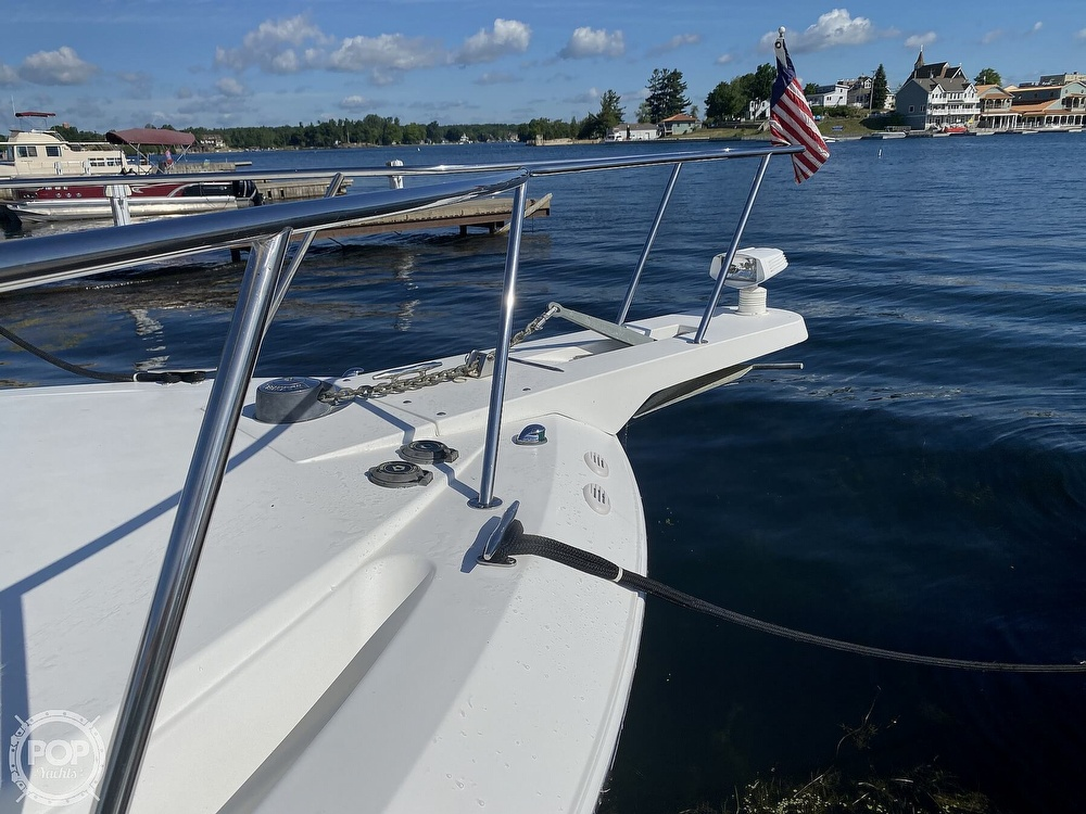 2001 Wellcraft boat for sale, model of the boat is Coastal 330 & Image # 18 of 40