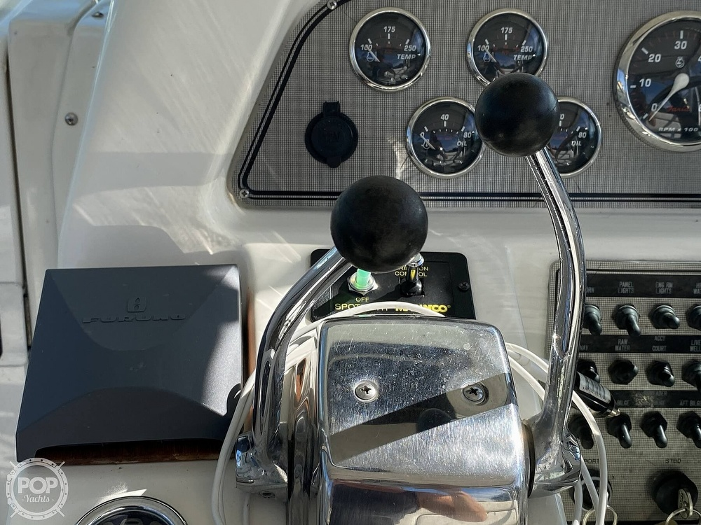 2001 Wellcraft boat for sale, model of the boat is Coastal 330 & Image # 29 of 40
