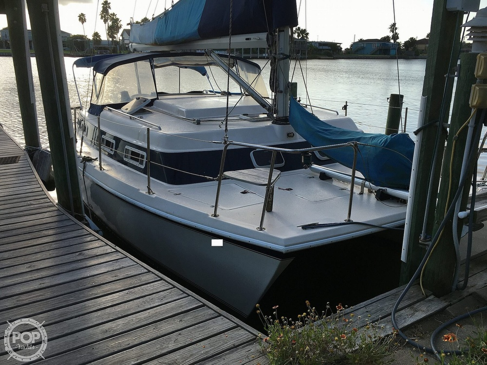 1992 Endeavour boat for sale, model of the boat is Cat 30 & Image # 12 of 40