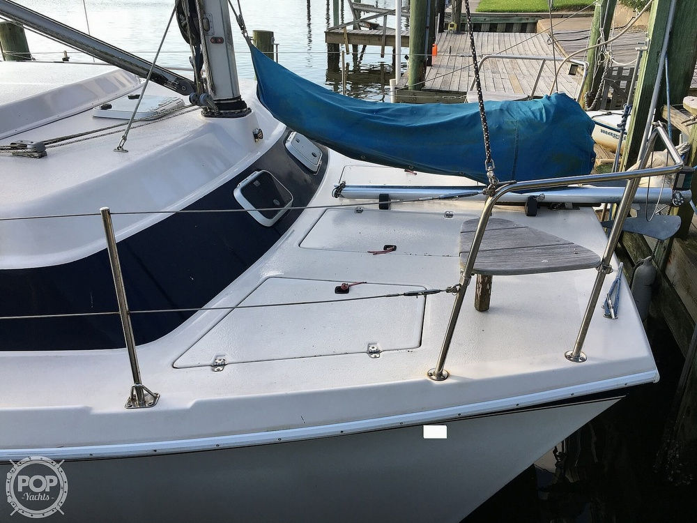 1992 Endeavour boat for sale, model of the boat is Cat 30 & Image # 21 of 40