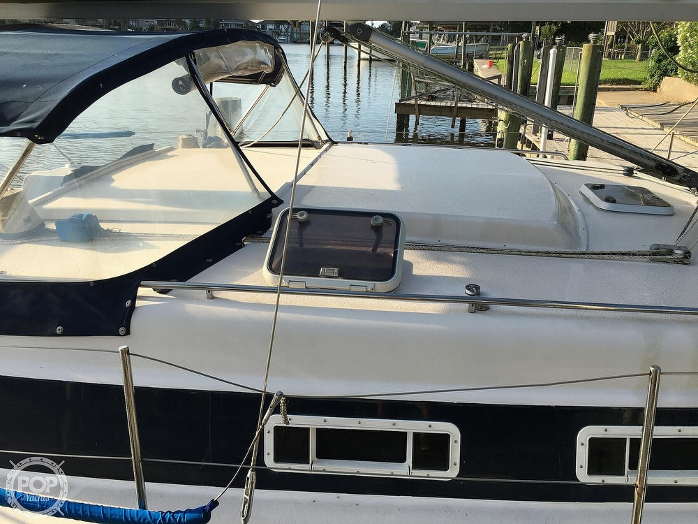 1992 Endeavour boat for sale, model of the boat is Cat 30 & Image # 26 of 40