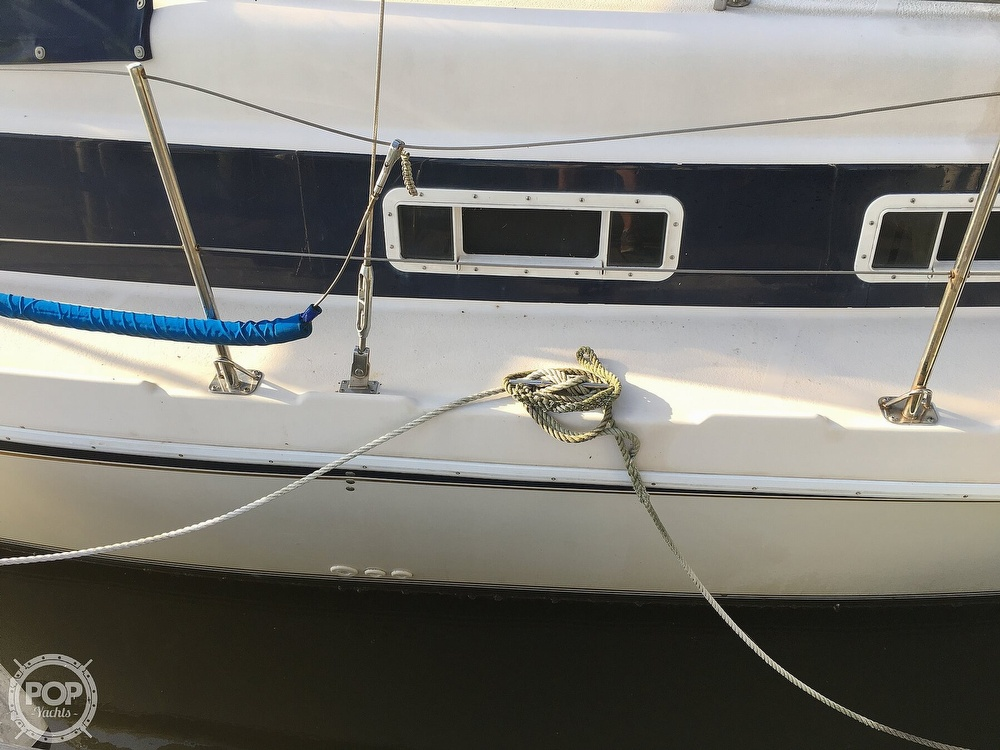 1992 Endeavour boat for sale, model of the boat is Cat 30 & Image # 27 of 40