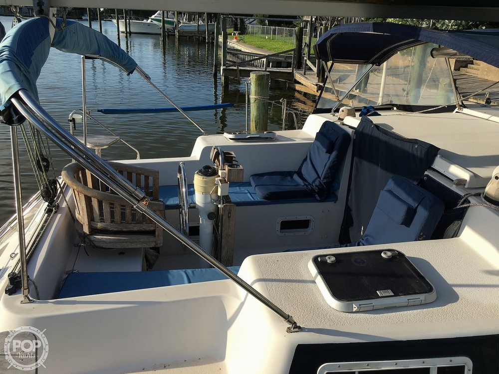 1992 Endeavour boat for sale, model of the boat is Cat 30 & Image # 32 of 40