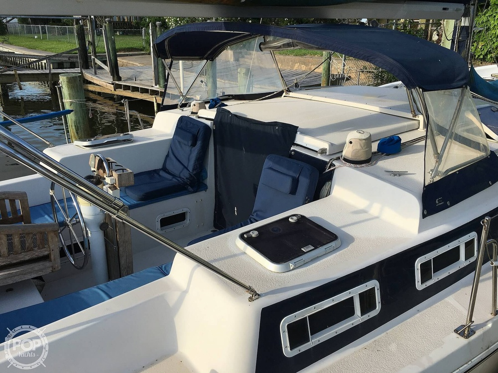 1992 Endeavour boat for sale, model of the boat is Cat 30 & Image # 31 of 40