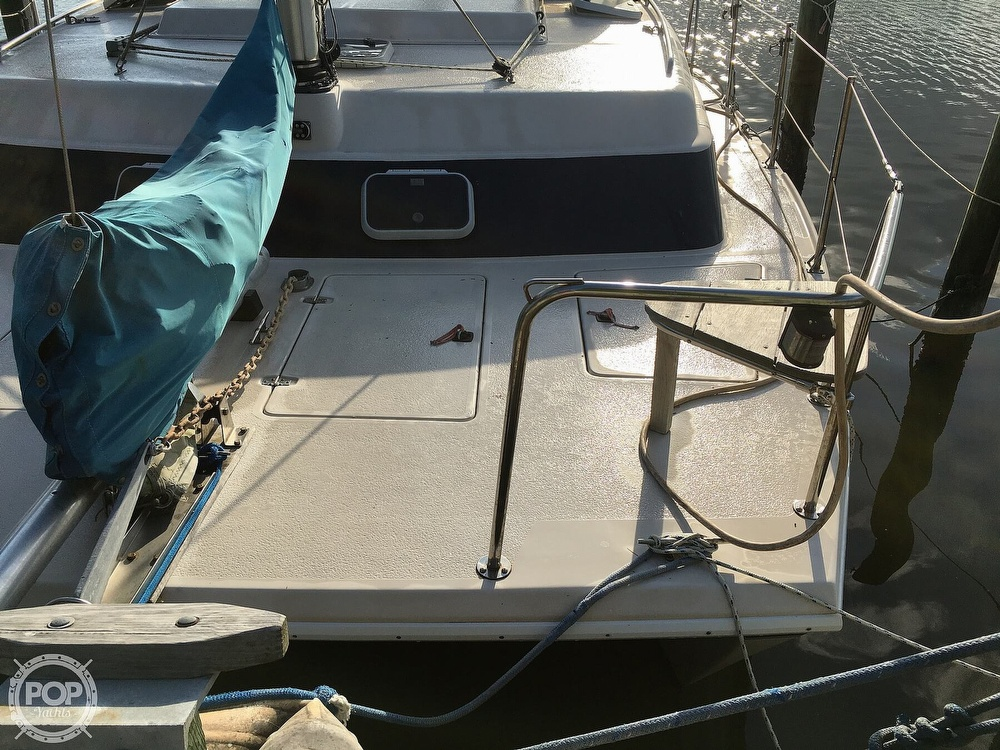 1992 Endeavour boat for sale, model of the boat is Cat 30 & Image # 18 of 40